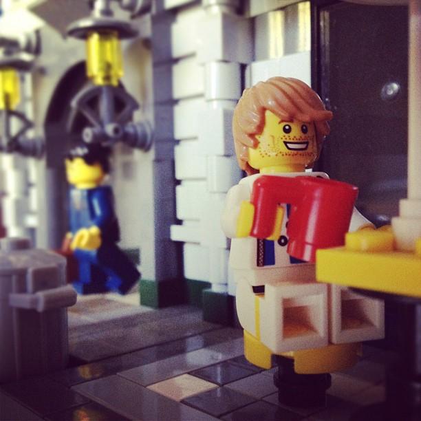 LegoGenre 00004: Coffee Break