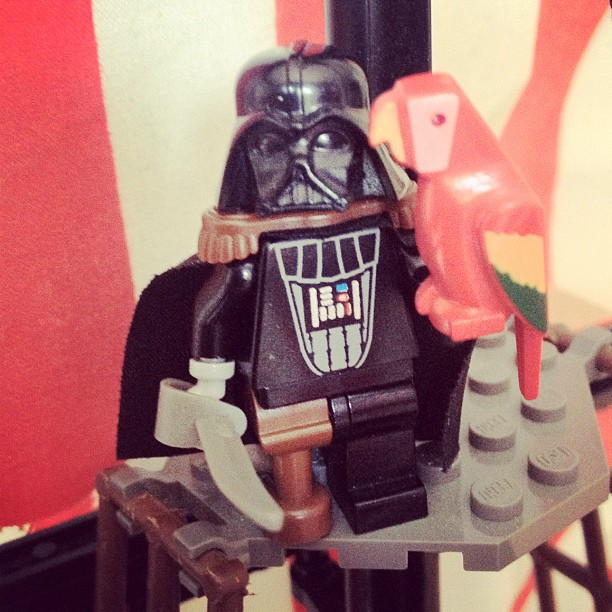 LegoGenre 00035: Captain Vader