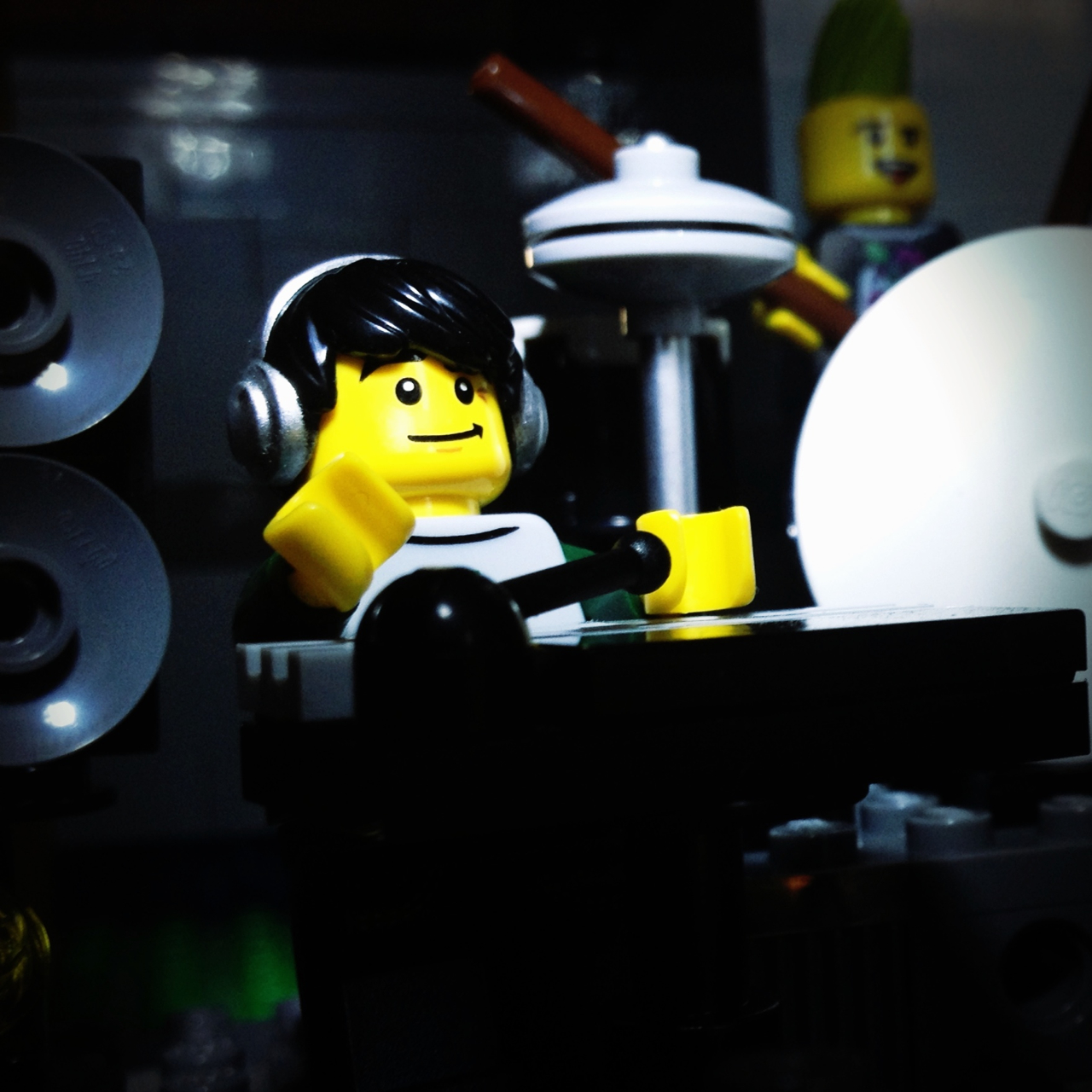 LegoGenre 00212: Sampling A Better Break.