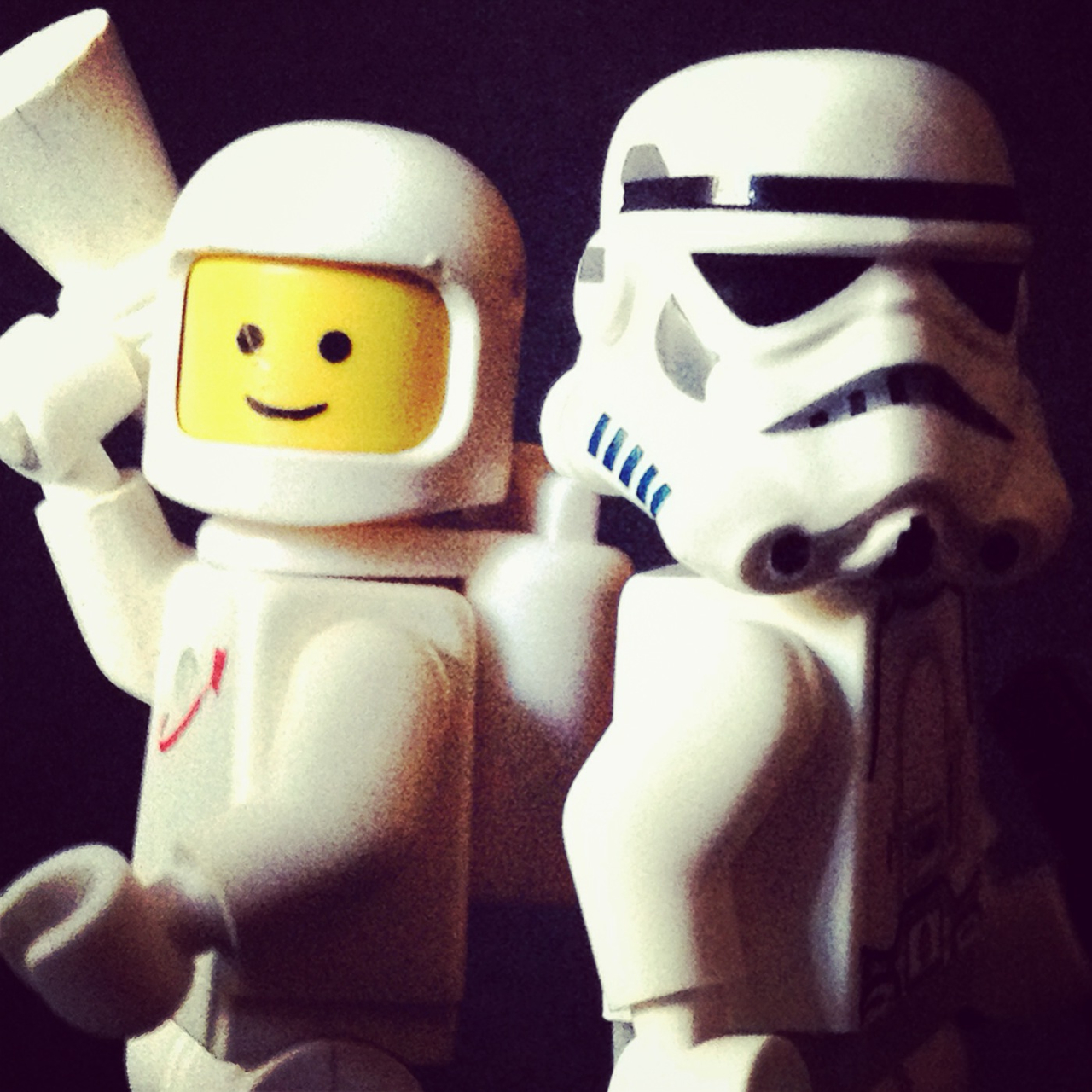 LegoGenre 00220: Classic Space or Star Wars?