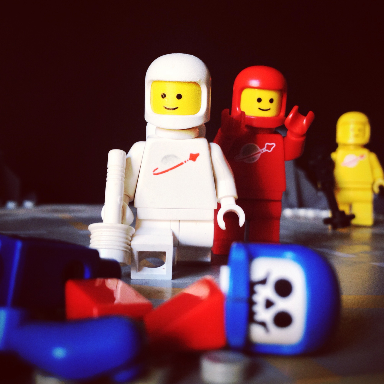 "LegoGenre 00225: ""Signal Located. Another Case Of Space Madness."""
