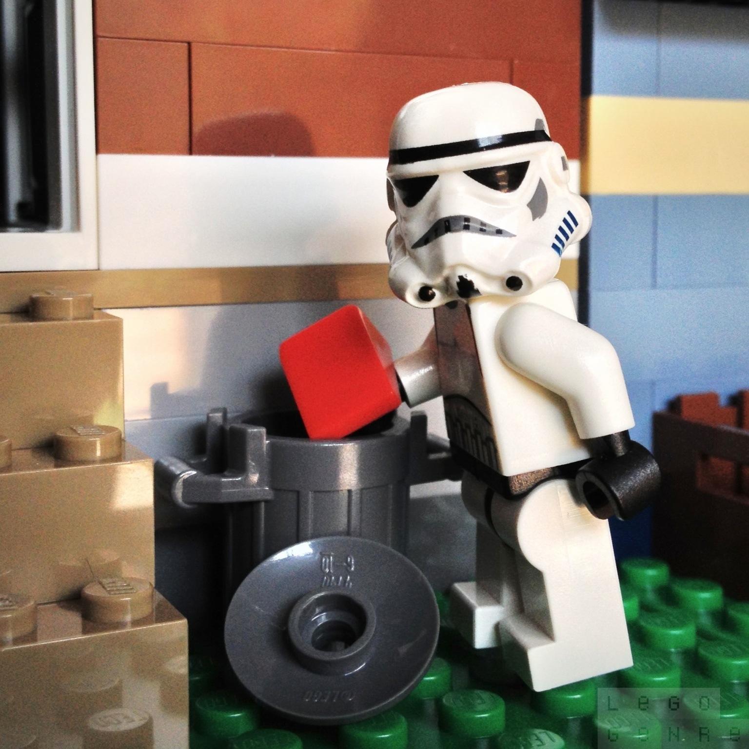 LegoGenre 00240: Stormtrooper Chores