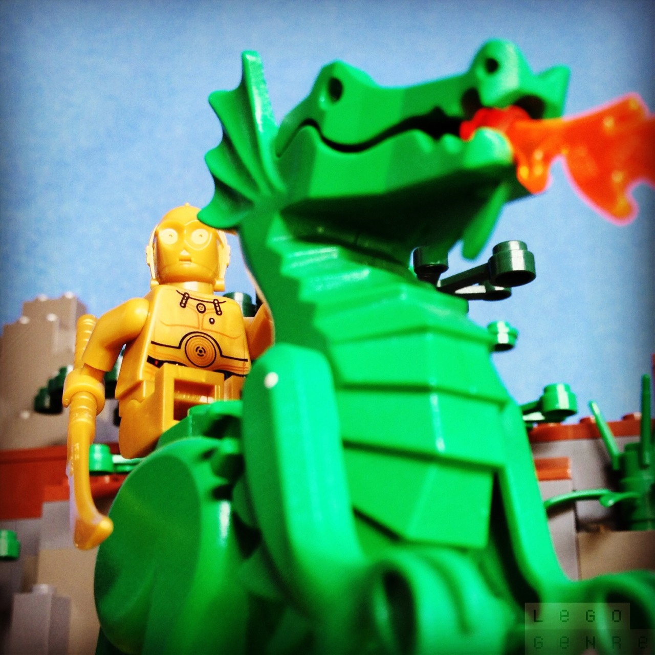 LegoGenre 00239: Dragon Raider C3PO