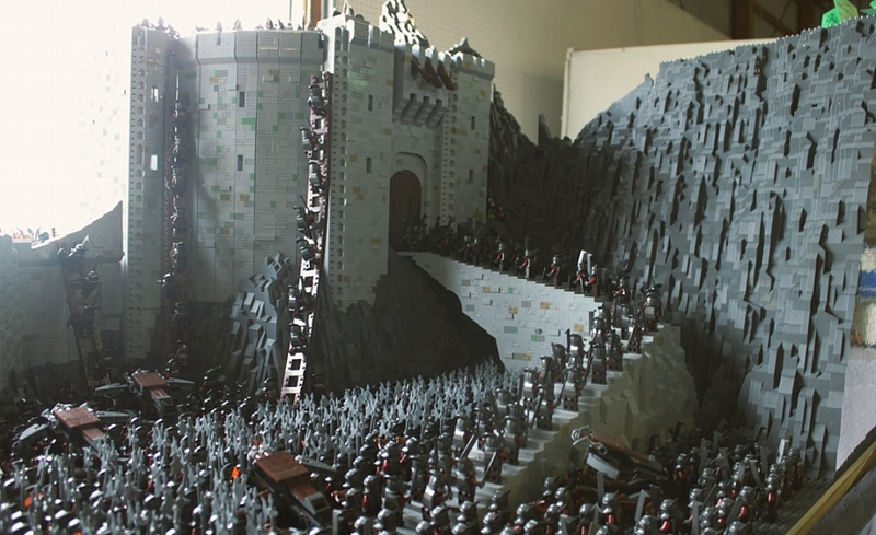 Rich-K & Big J's Lord of the Rings: Helm's Deep Ramp