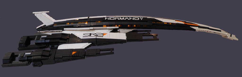 BennyBrickster's Normandy SR2 - Mass Effect Lego