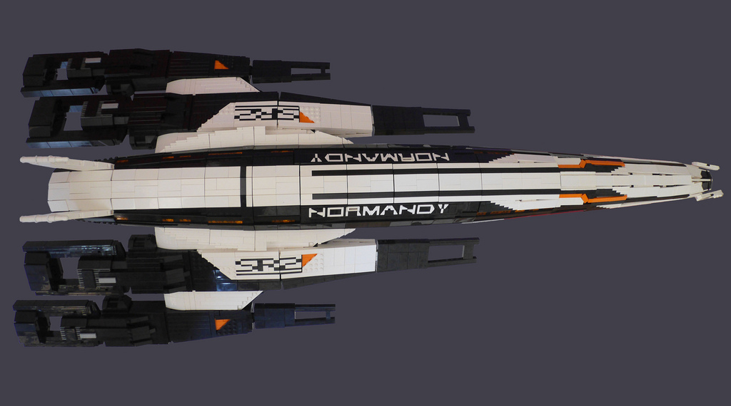 BennyBrickster's Mass Effect Normandy SR2 Detail 2