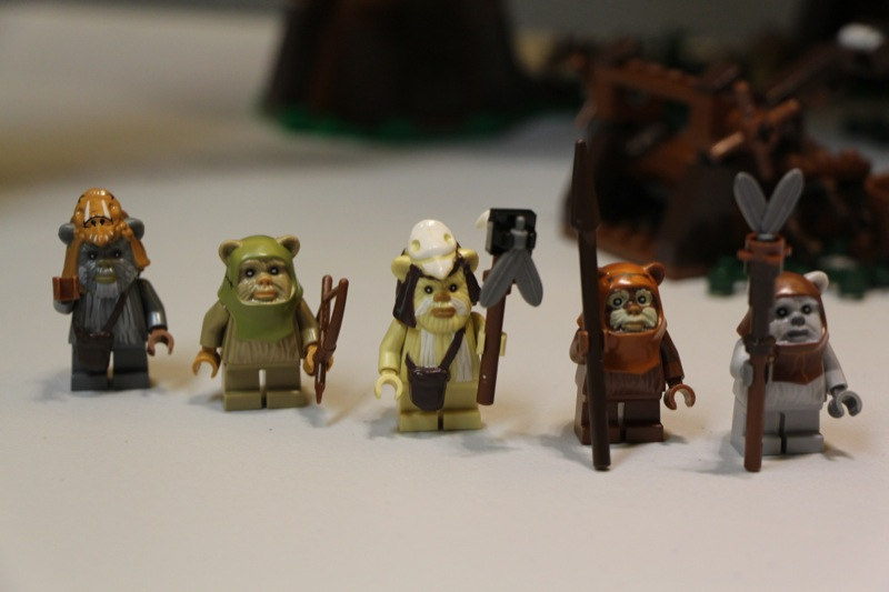 Jared Chan's Lego Star Wars: Ewok Village 10236 Review Minifigures