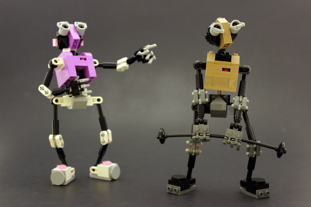 Legohaulic's EMOTE Lego Robots: Bot-y Building