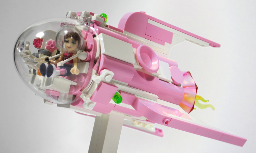Shuppiluliumas's Lego Friends MOC: Olivia's Flash