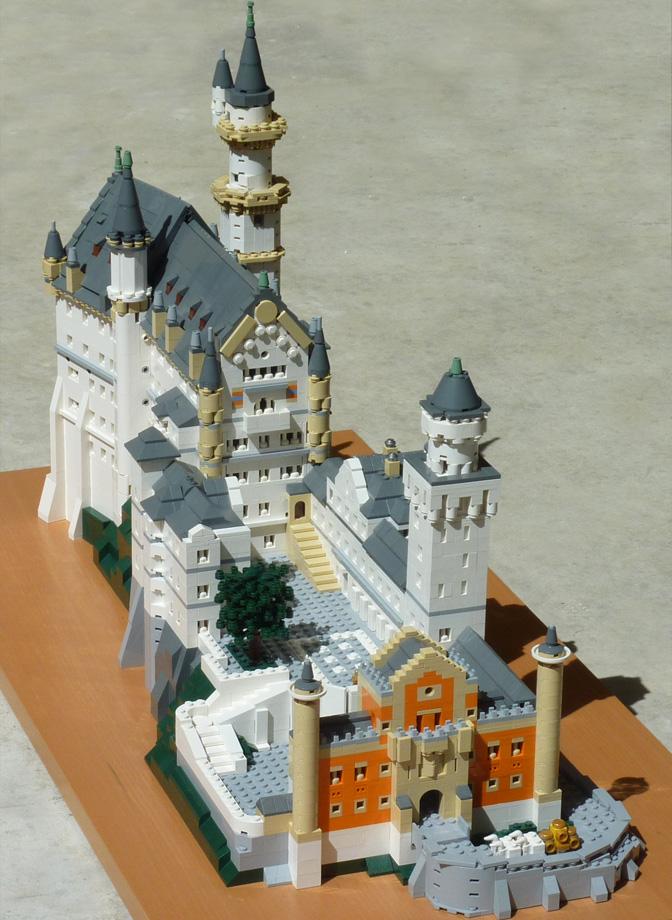 T-Brick's Lego Neuschwanstein Castle