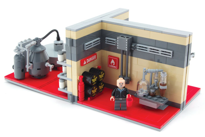 CitizenBrick's Lego Breaking Bad Lab Playset Detail