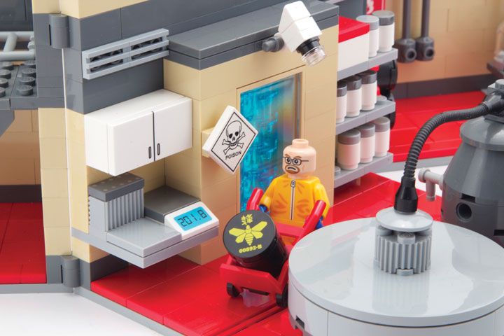 CitizenBrick's Lego Breaking Bad Lab Playset Detail 2