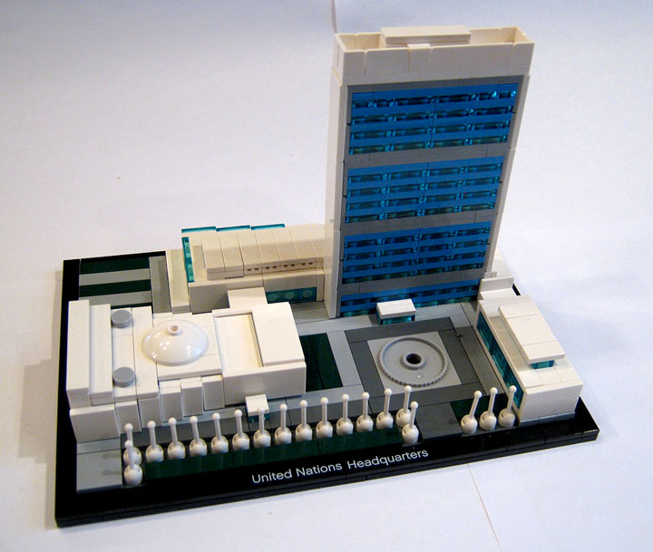 Brickbuilder0937's United Nations Headquarters Review 02