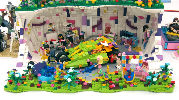 fujiia and Kloou's Lego Friends Castle: Friendsington Castle 03