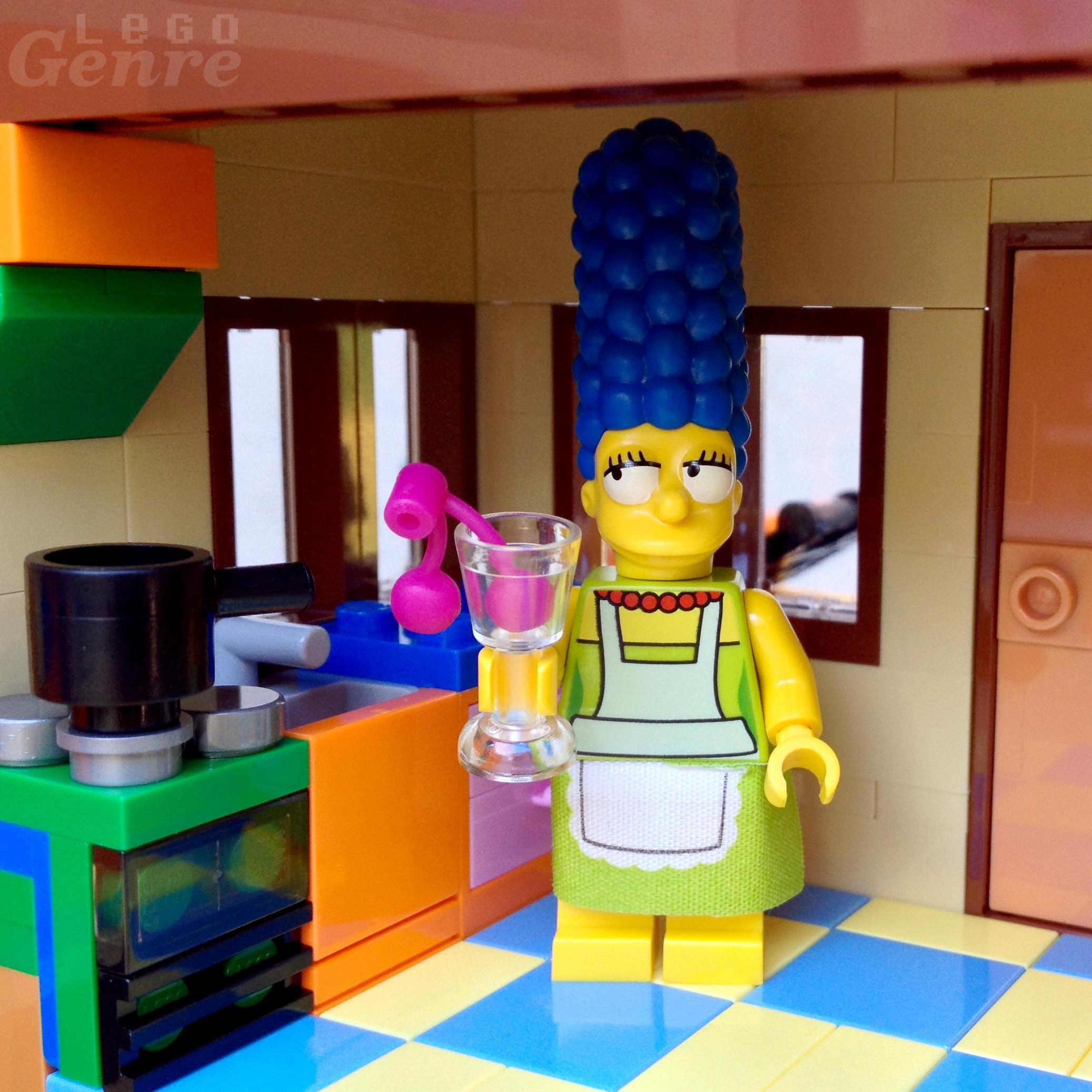 LEGO Marge Simpson - Lime Green Skirt Cloth Minifig