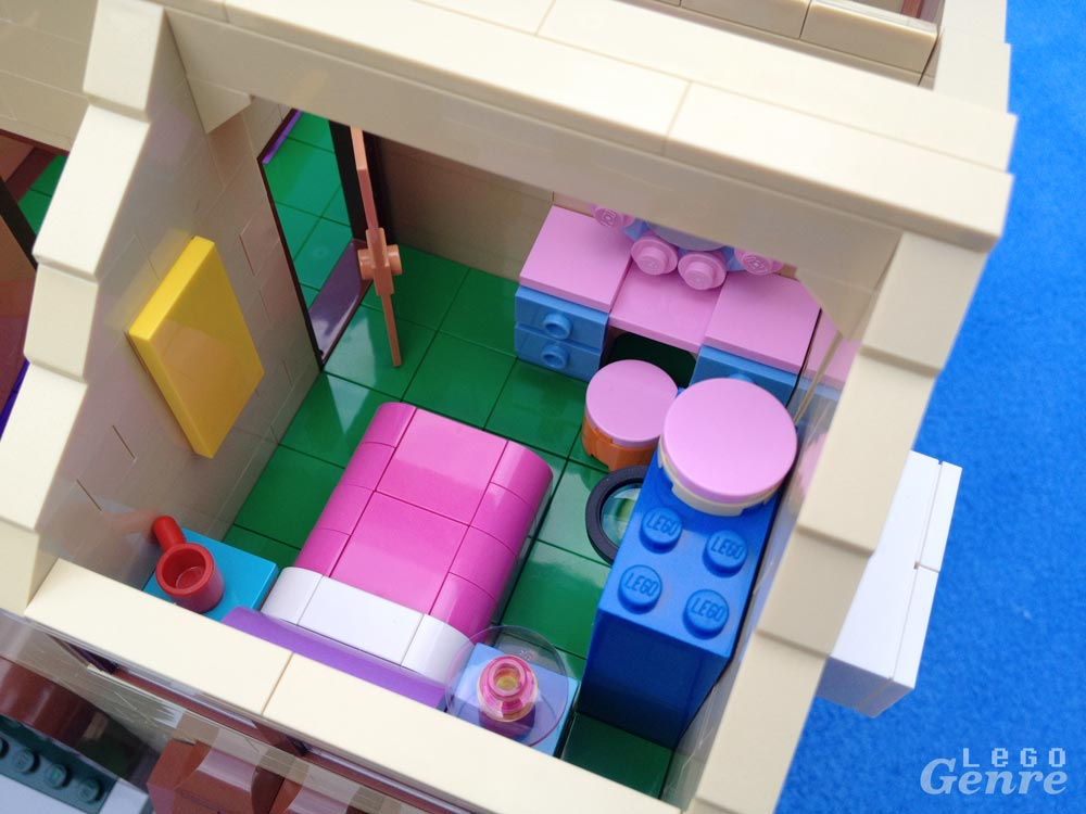 LegoGenre: Lisa's Room