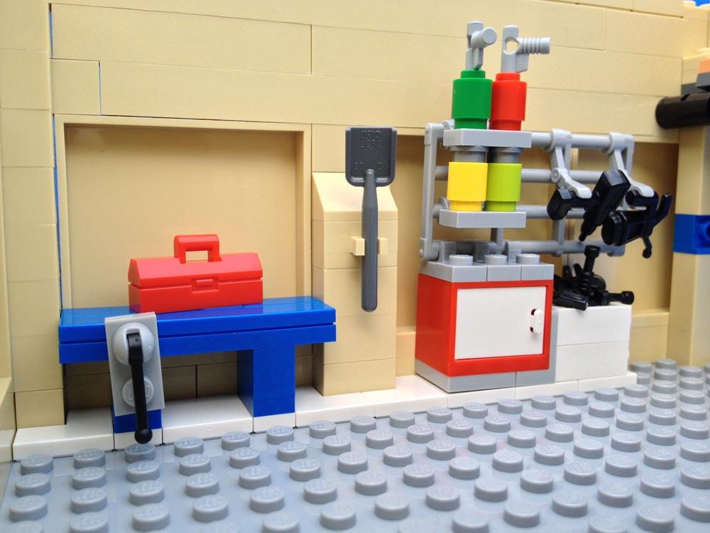 LegoGenre: The Simpsons Garage Details