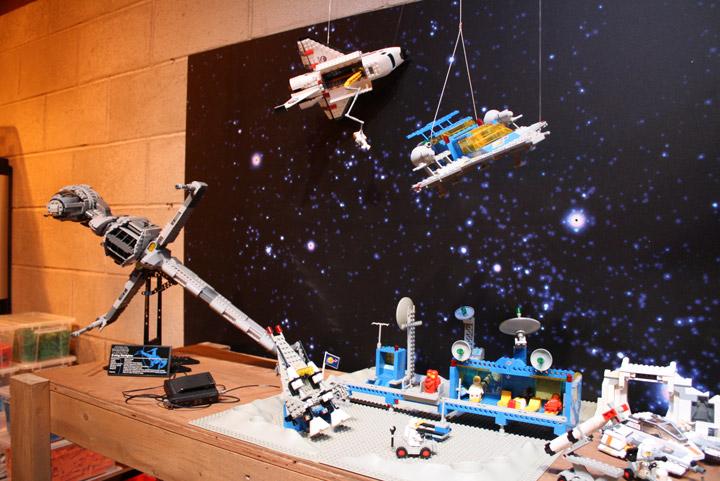 Finn's Basement, The Lego Movie, Space