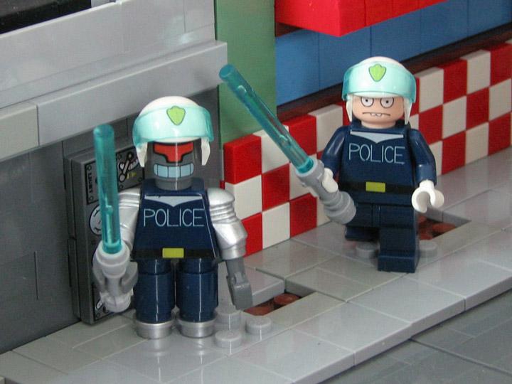 PepaQuin's Lego Futurama The World of Tomorrow. URL and Smitty.