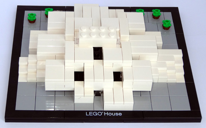 CopMike Review: The Lego House 4000010