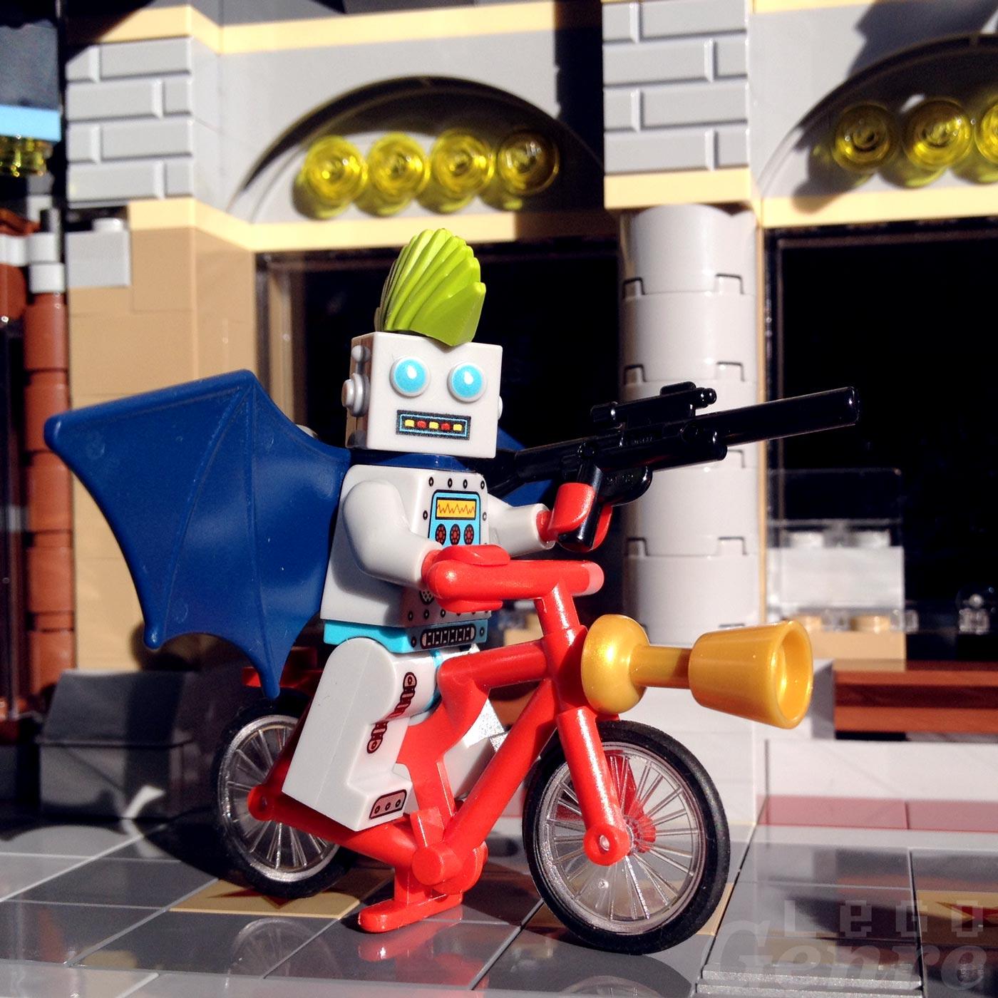 LegoGenre 00371: Biker-Bot