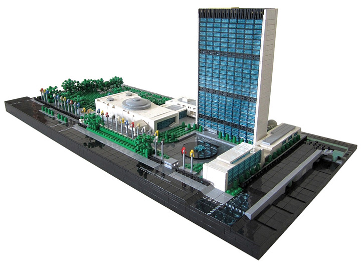 Spencer_R's United Nations Headquarters Lego MOC