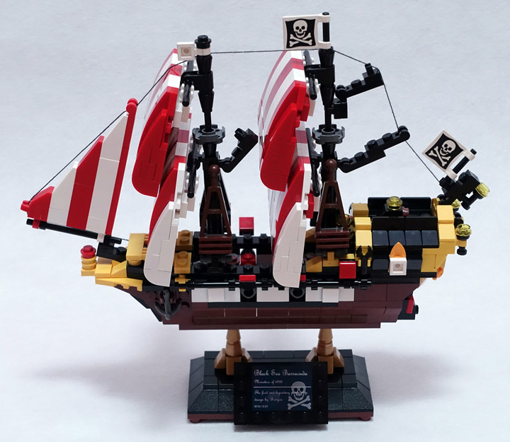 BangooH's Lego Black Seas Barracuda 6285 Mini Side