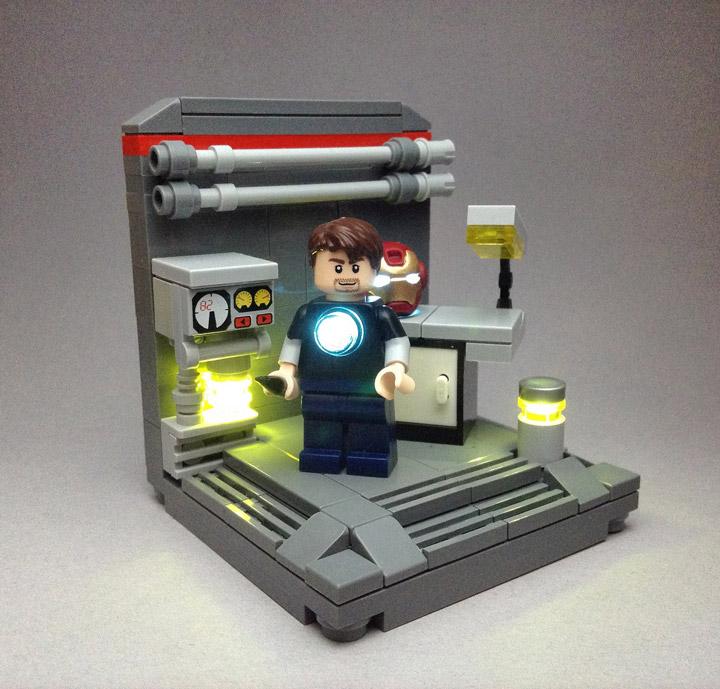 Vlad Hernandez's Lego Iron Man, StarkLab Helmet Repair 02