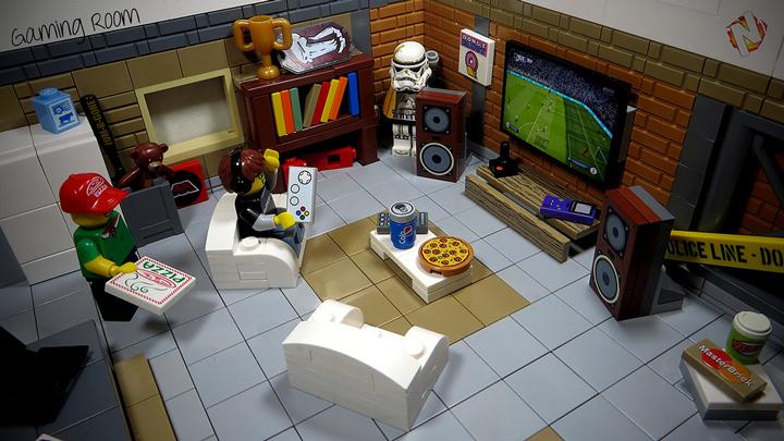 Alex Nidhogg's Awesome Lego Gaming Room