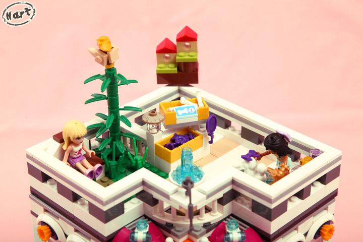 Hartinih Liauw's Lego Friends Corner Rooftop Garden