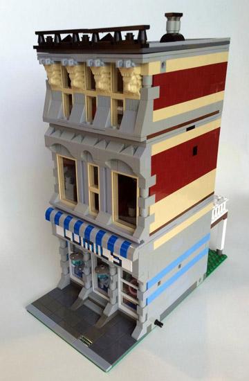 SargeantSasquatch's Lego Modular Comic Book Store Side