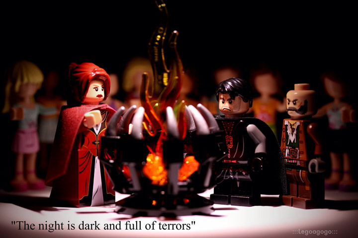 Legoagogo's Lego Game Of Thrones: Stannis and Melisandre