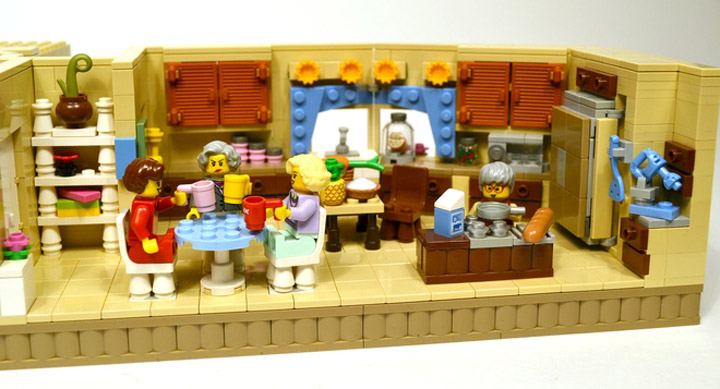 lostsleep's The Golden Girls Lego Living Room and Kitchen Modular Set