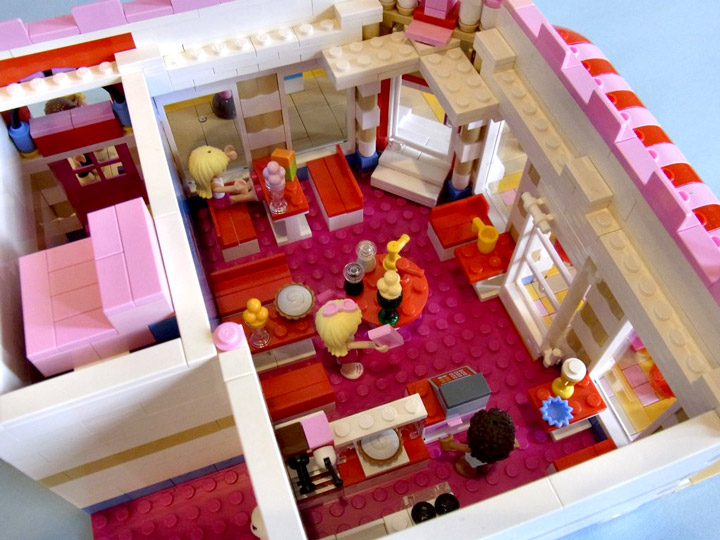 Lego Lovely Hotel Inside