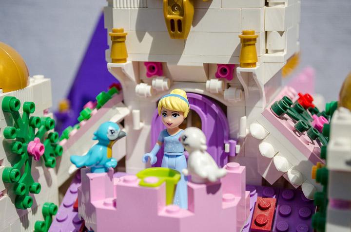 Hrczs1's Lego Friends Princess Castle Birds