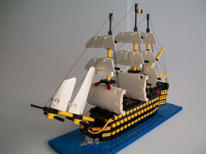 Nick Barrett's Lego Ship Little Victory Sails