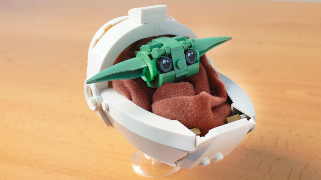 Lego Baby Yoda from the Mandalorian, by hachiroku24