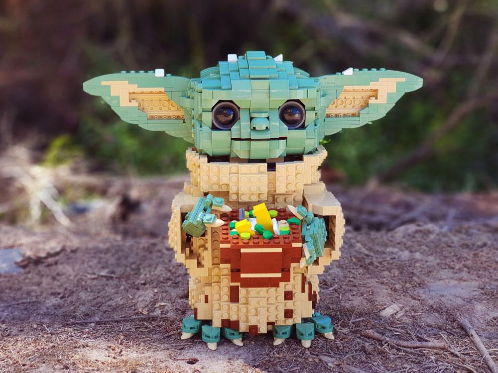 Lego Baby Yoda Figure