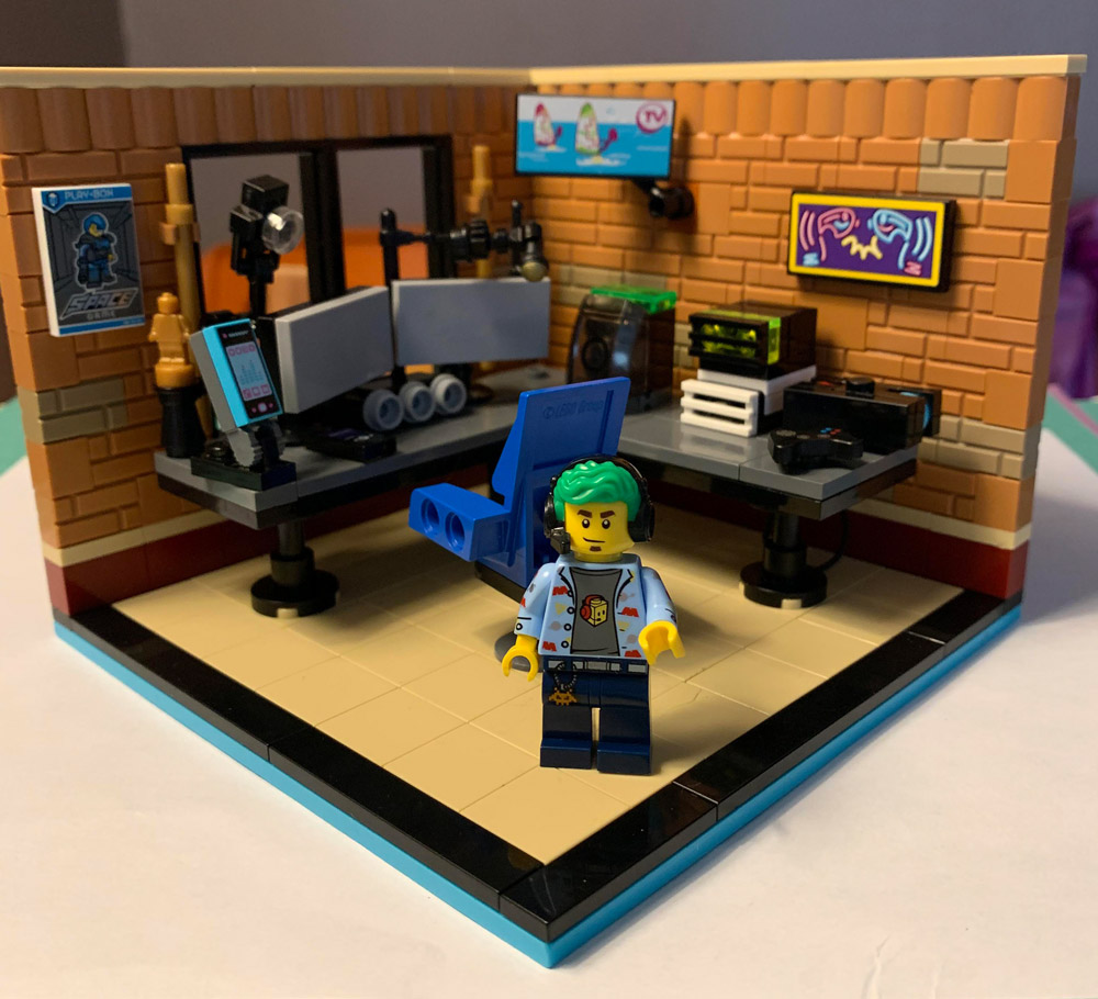 Gaming And Streaming From A Lego PC Battlestation