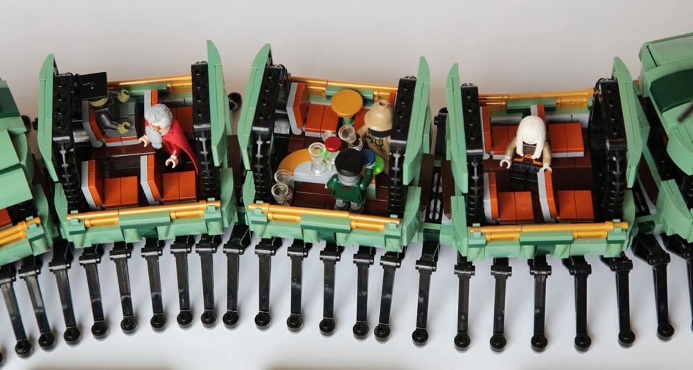 Lego Myriapodobus Inside