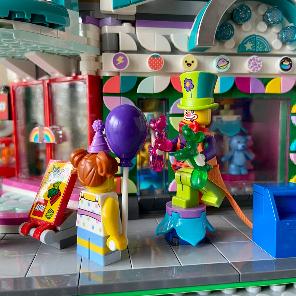 The Corner Toy Shop - A Modular Lego MOC - Clowns