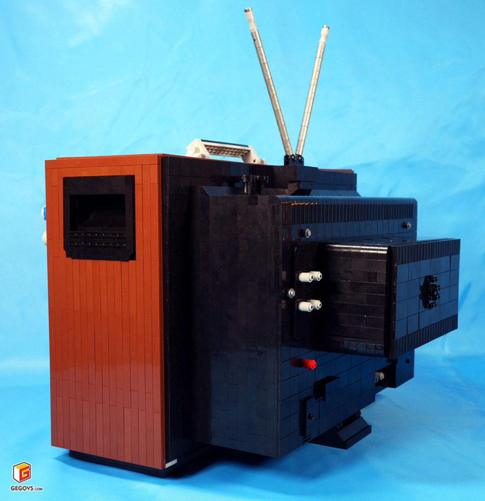 Lego Retro TV, Back Details