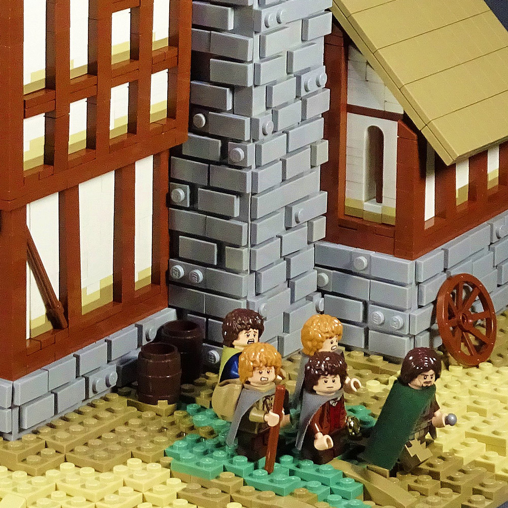 The Prancing Pony - A Lego LOTR MOC, Fellowship Detail