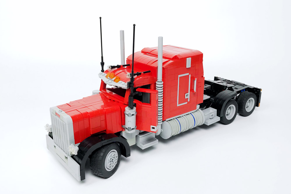 Trucking With A Lego Peterbilt 379, Semi Truck