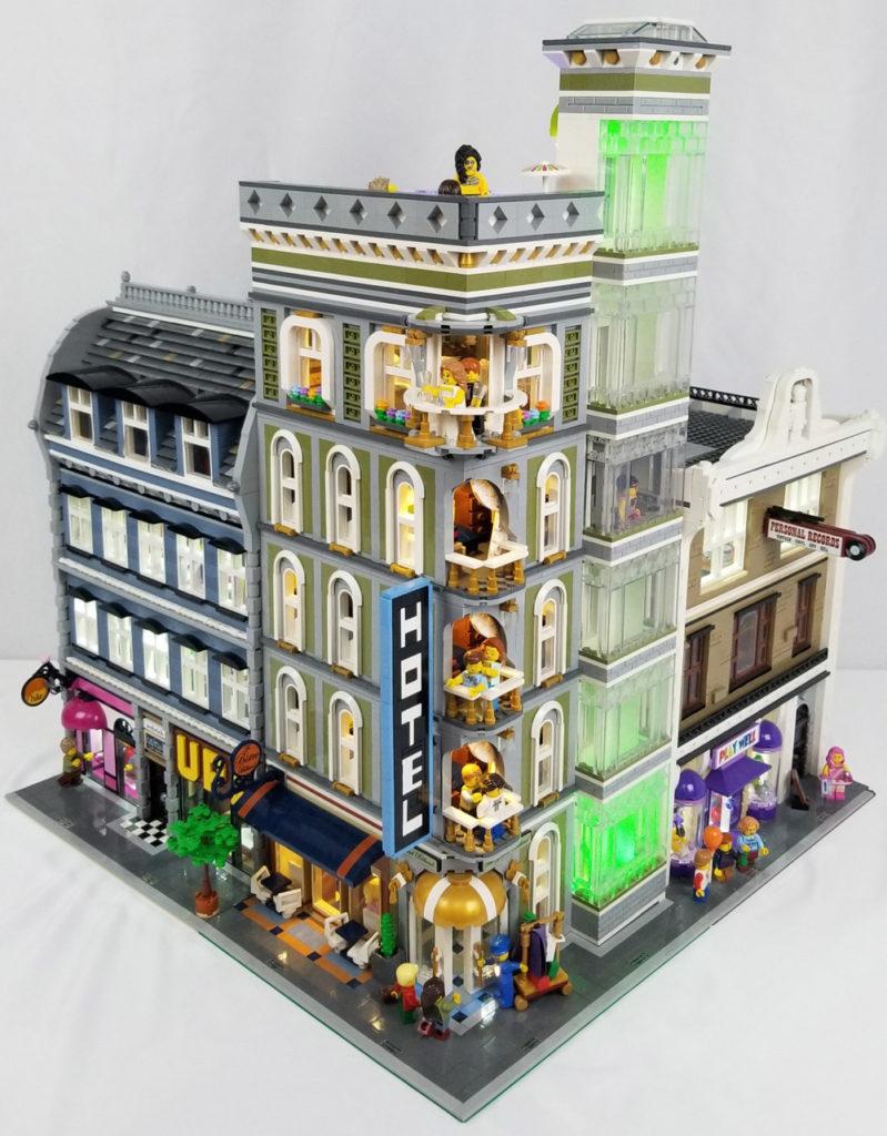 The Grand Billund - A Modular Hotel - Lego MOC