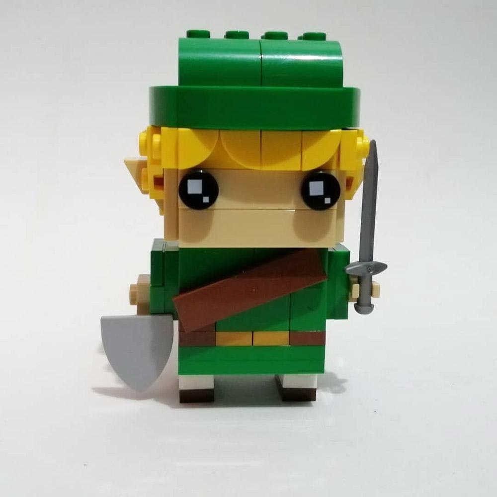 A Lego Link BrickHeadz, Front View