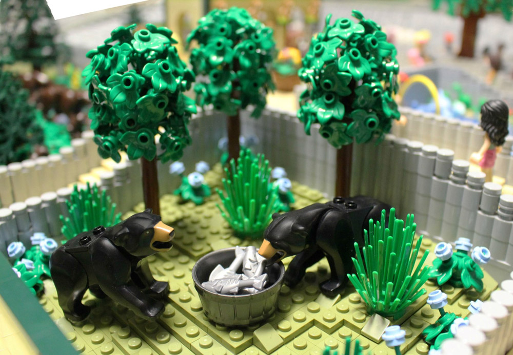 The Lego Friends Visit Animal Park! Lego Zoo MOC, Bears