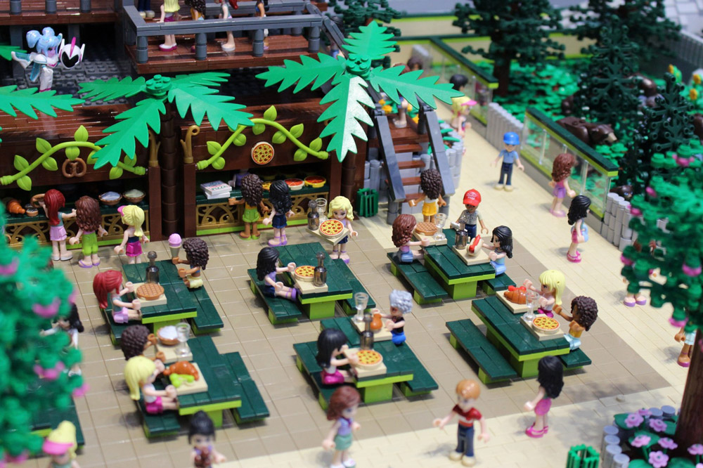 Lego Friends Zoo MOC, Food Court Pizza