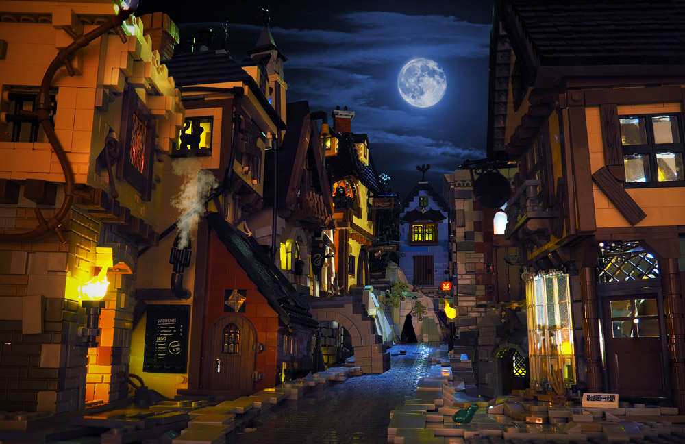 On A Scary Scary Night, On A Scary Scary Street… Lego MOC