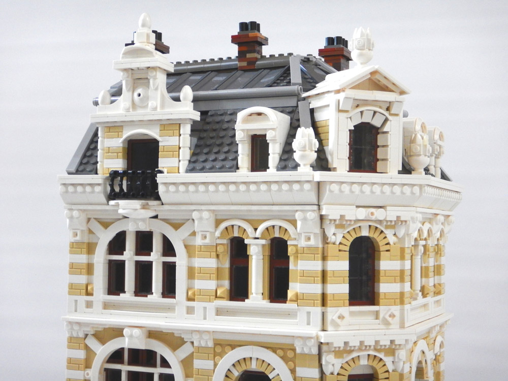The Belle Epoche, A Lego Modular Style Building Roof Detail